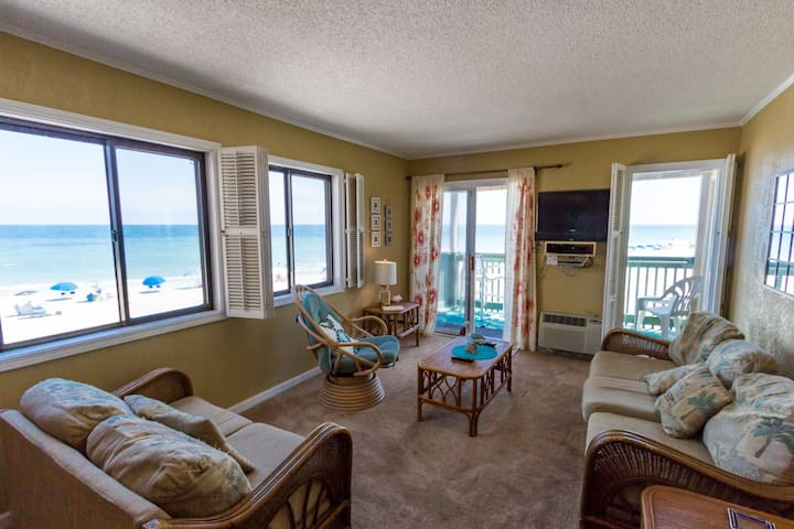 APATB III O2I-2BR/2BA Oceanfront Condo, ask about Monthly Rentals!