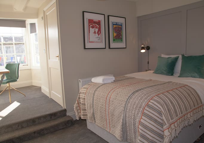 Cosy Ensuite Double Room at the Kings Arms