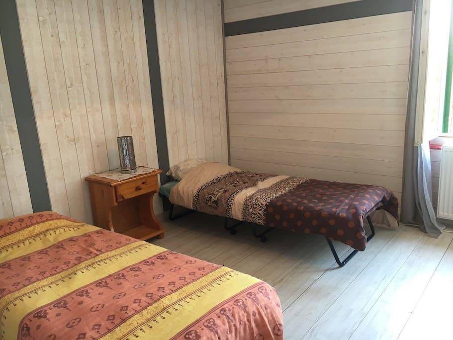 Exemple de lits d'appoint pour les enfants
