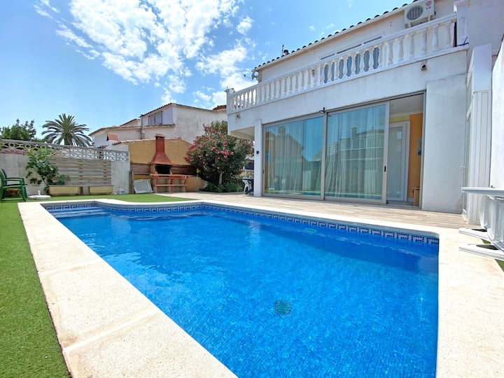 0125-MONTGRI House with private pool and wifi