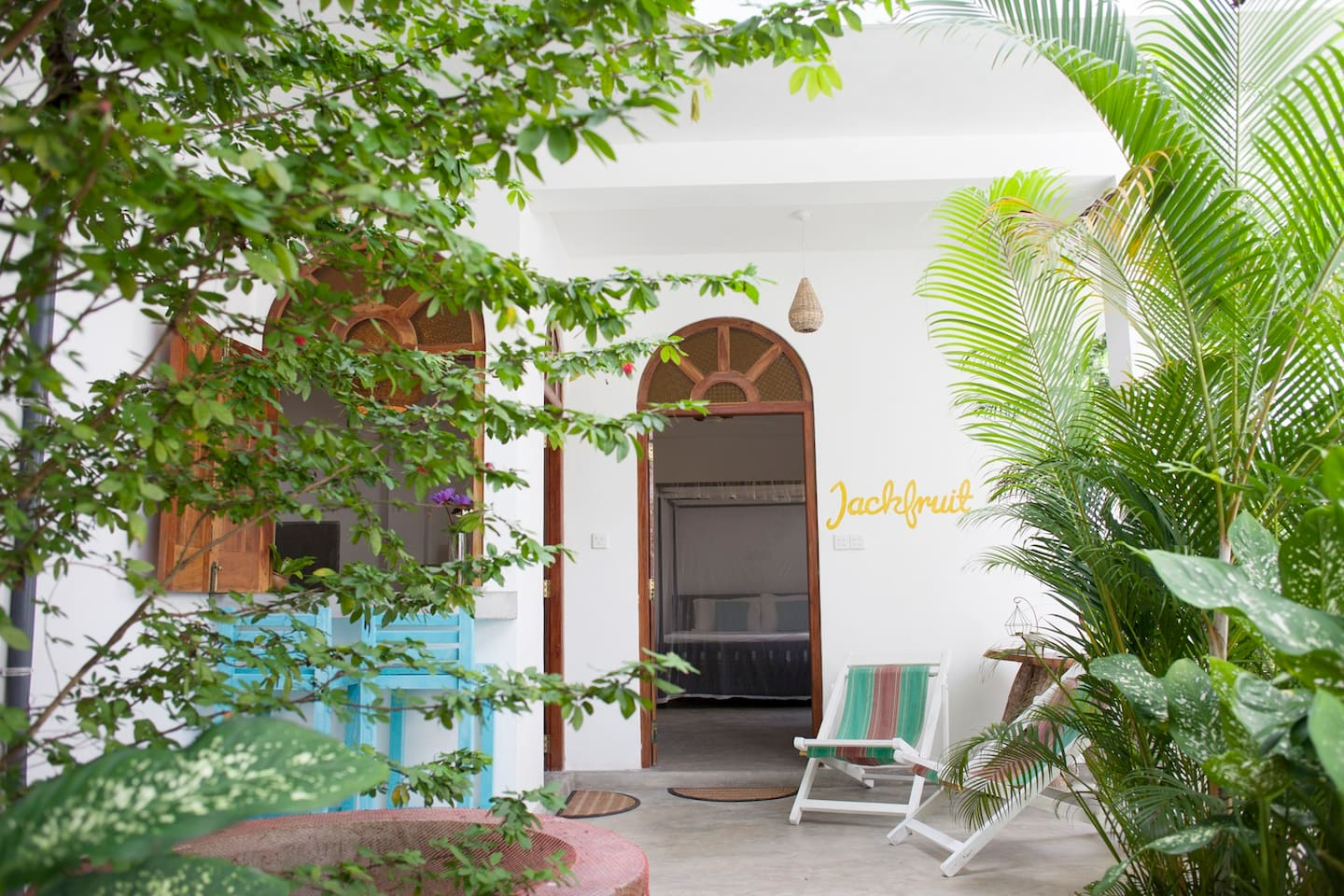 Jackfruit apartment with its private terrace and kitchen, set in a tropical jungly garden to enjoy