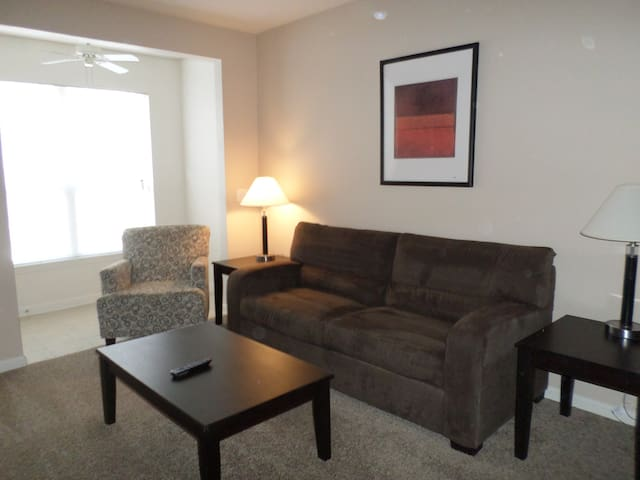 Clean and comfortable one bedroom - 817