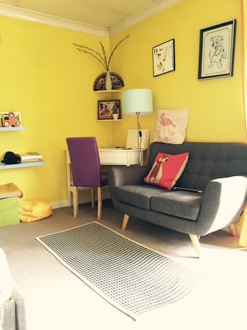 entire bright yellow flat, clean and morden