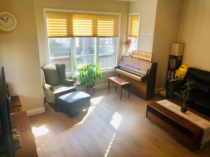 New studio: Bright, clean, Comfortable .