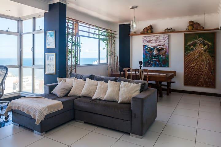 Apartamento charme vista mar Rio Vermelho