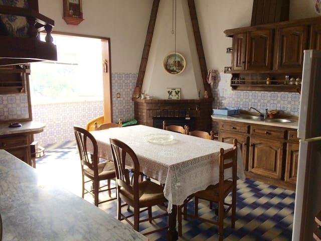Maison au village avec magnifique vue sur rivière - Esperança - Talo