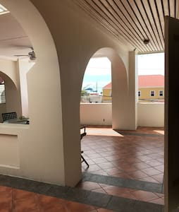 Large lovely family home, downtown - Charlotte Amalie