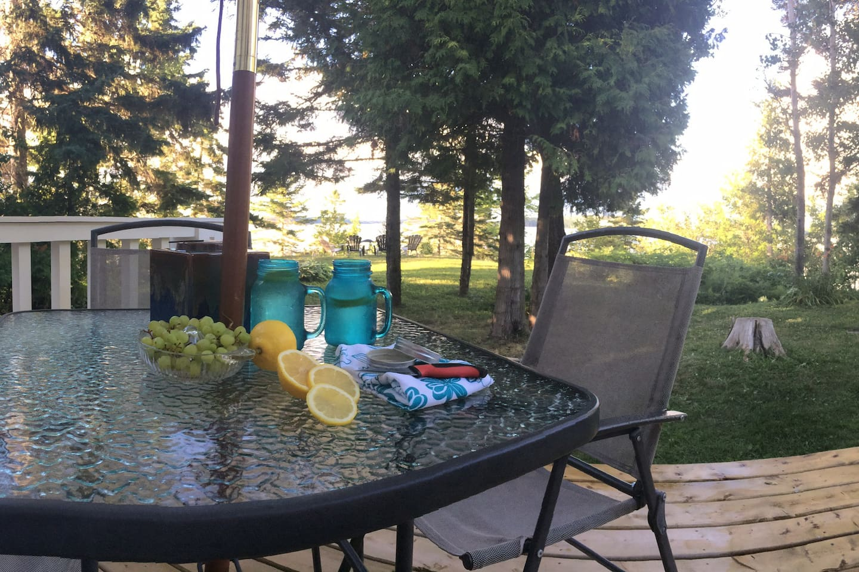 Front deck enjoy a cold drink!