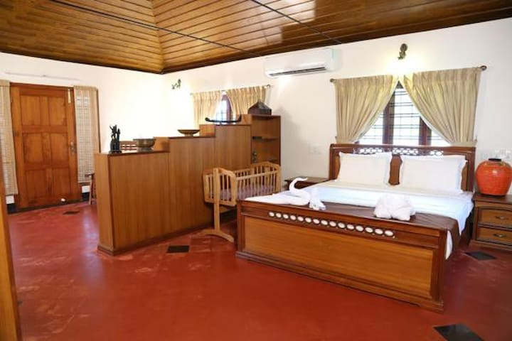 Villa by the backwater - Executive Room