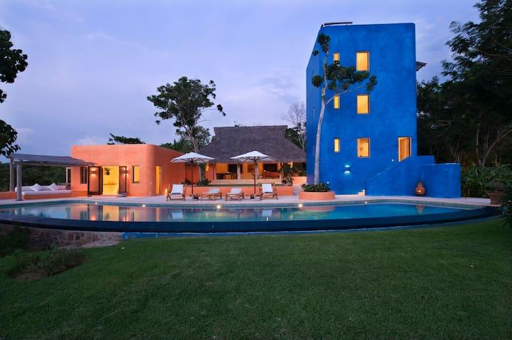 Casa Torre del Cielo - 4 Bedrooms, Operated by PLV