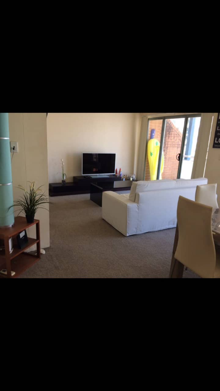 DARLING HARBOUR SHARE APARTMENT READY TO LIVE