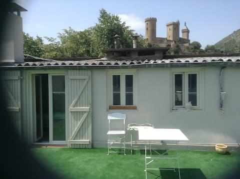 """Studio-Terrasse """"Au chateau de foix"""""""