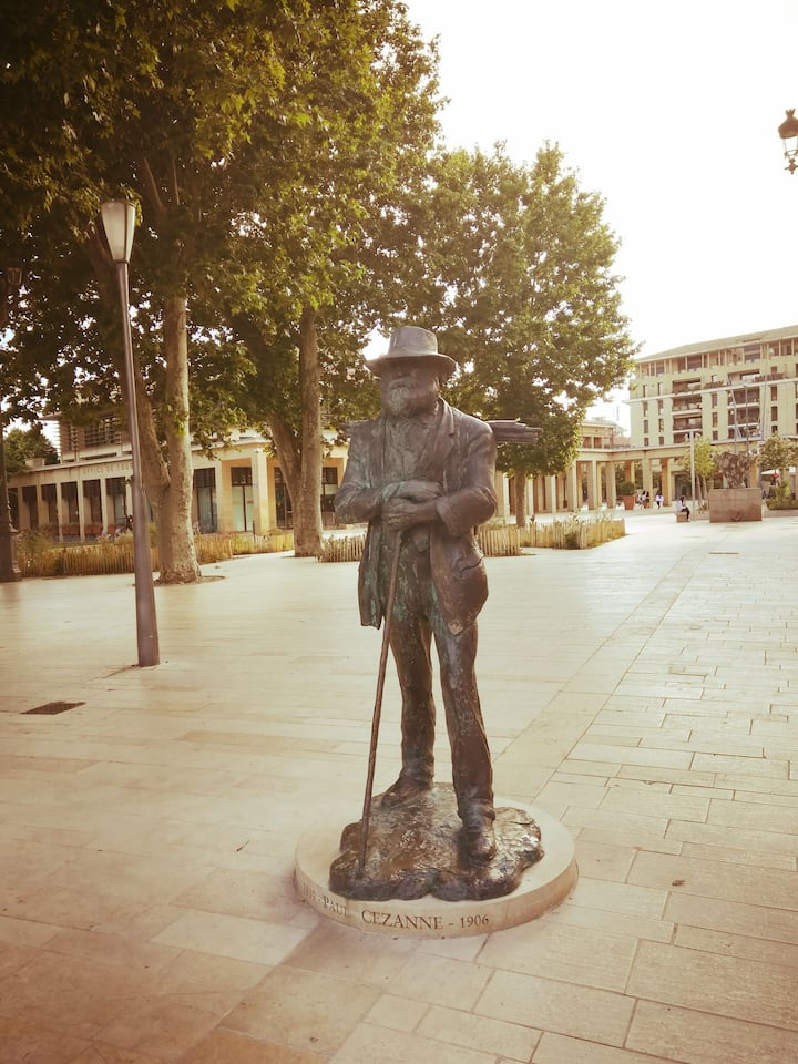 Petit pied à terre au pays de Cézanne 2**