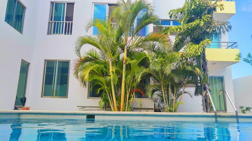 Gran departamento con piscina a 10 min de la Playa - Playa del Carmen - Apartemen