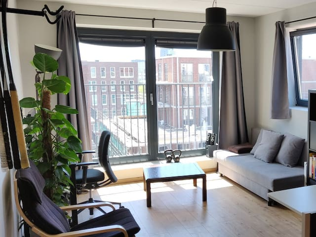 New studio apartment, 8 min to central station