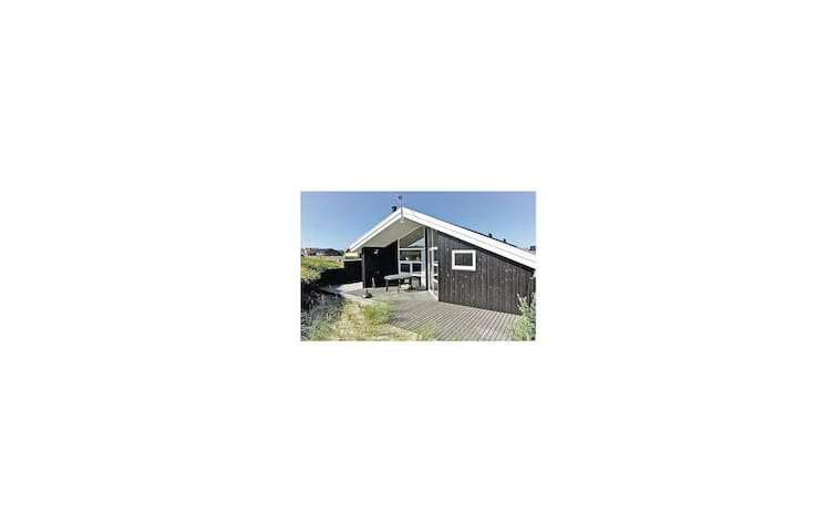 Holiday cottage with 2 bedrooms on 68m² in Frøstrup