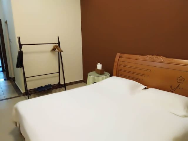 Kingbed Room in Sunny Sanya Destination Hotel - Sanya - Boutique hotel