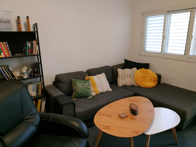 Entire apartment - A quiet place in the city
