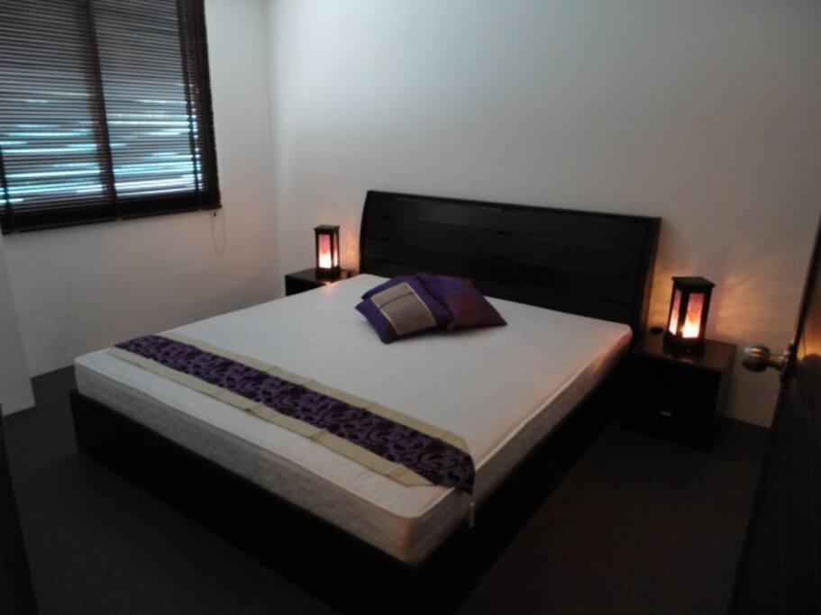 Main Bedroom (Kingsize)