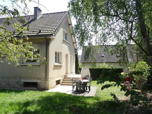 Chambre dans maison familiale - Caen - Casa