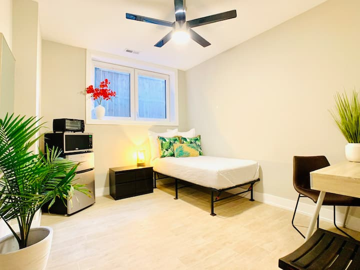 Rm. 16A •3 LOCATIONS! •LUXURY •FURNISHED •MONTHLY