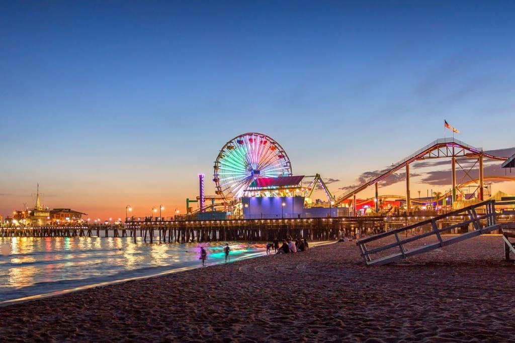 10 minutes from the Santa Monica pier!