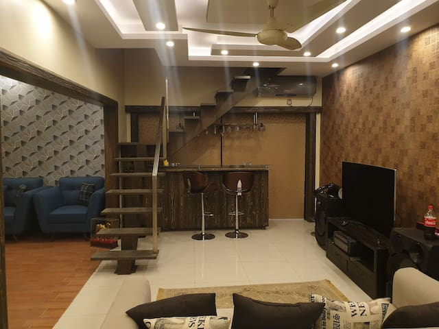An exquisite Penthouse near Karachi Airport.