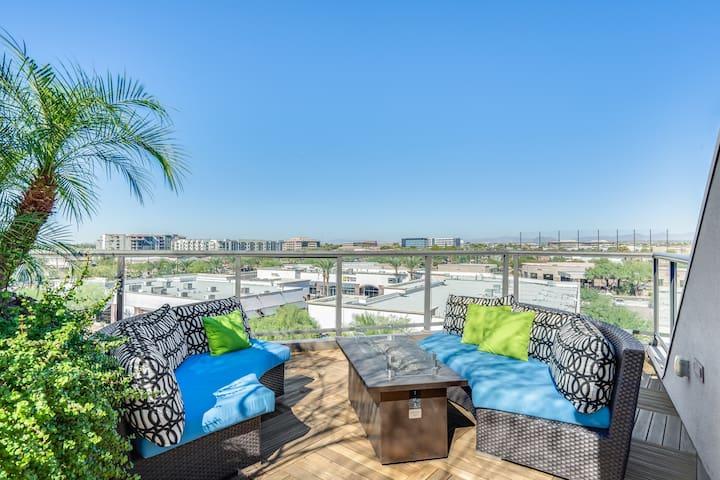 Amazing roof top deck Scottsdale Quarter  1008