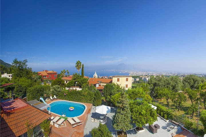 Villa Panorama 1 with Sea View, Shared Swimming Pool, Garden and Parking