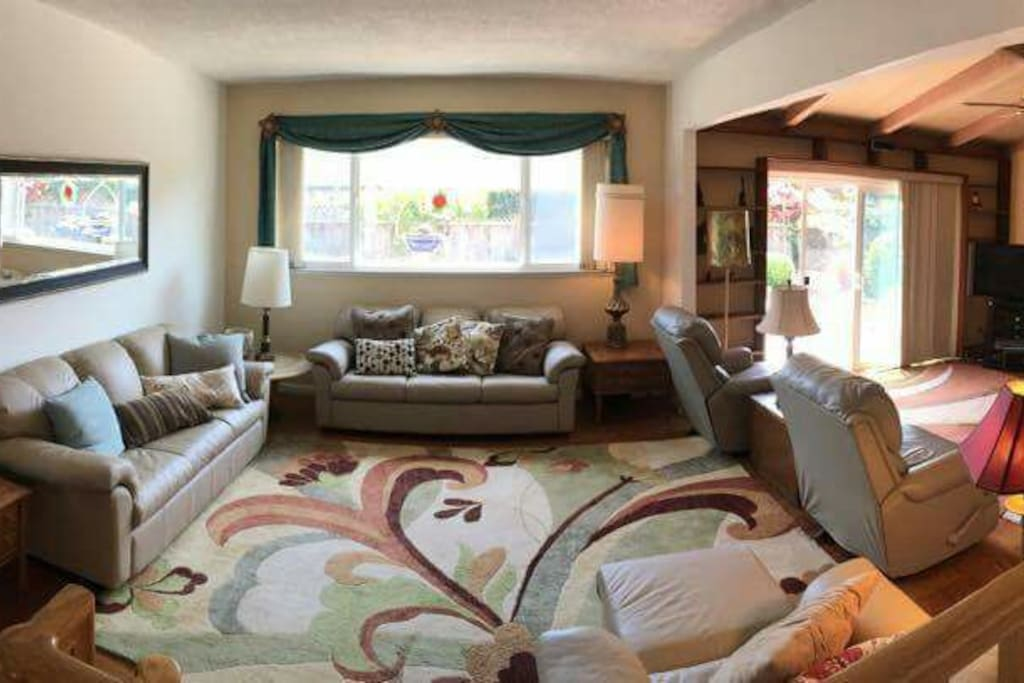 Beautifully Furnished Living Room Houses For Rent In Santa Cruz California United States