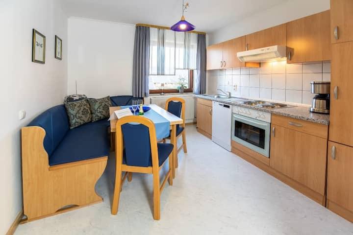 Ferienwohnung Haus Hanni (Moosbach), gemütliche Ferienwohnung (60qm) für 4 Personen mit Balkon