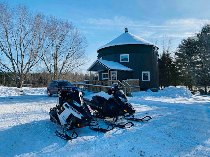 """The Roost"" - very near fishing/snowmobiling"
