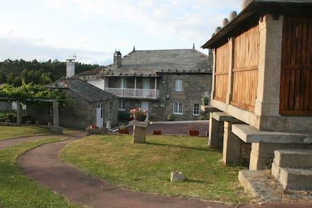 Casa con dos viviendas indep. cerca de Viveiro - Xove