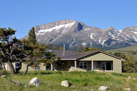 Rocky Mountain Front Retreat Beauty - Choteau