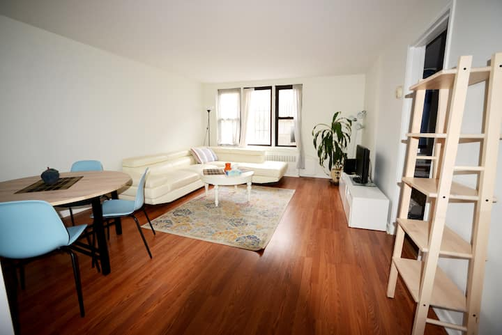 Spacious Studio - NYC! First Responders Welcome!