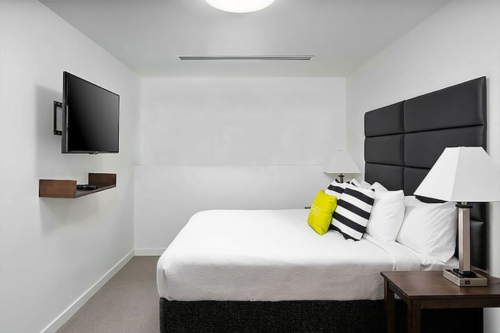 Ideal Stay Alfred at Market City Center