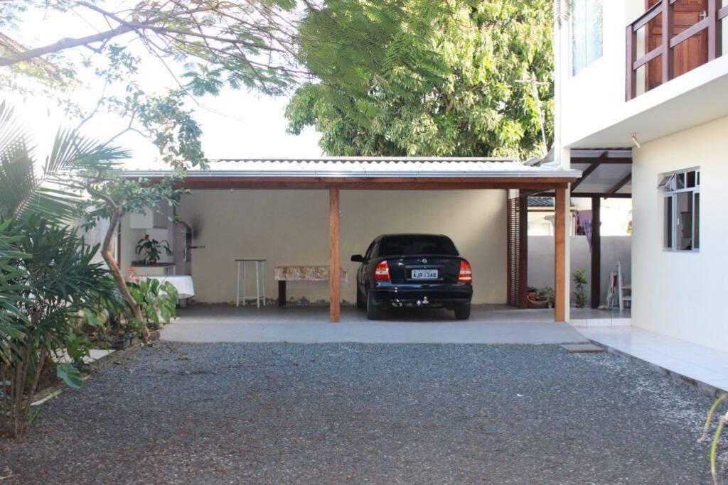 Garagem / churrasqueira