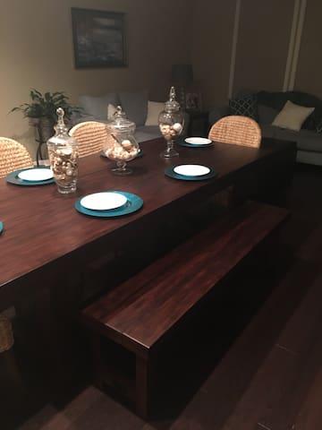 Large family home- Berkshire - Omaha