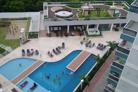 LINDO, NOVO E PRÓXIMO AO MAR. - Governador Celso Ramos - Apartment