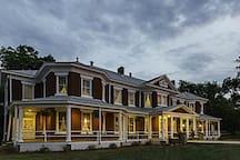 Grand Victorian Inn, Established 1885