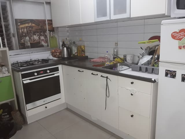 A fully equipped kitchen can be cooked