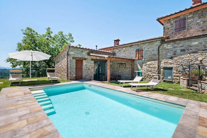 Princely Holiday Home in Chitignano with Swimming Pool