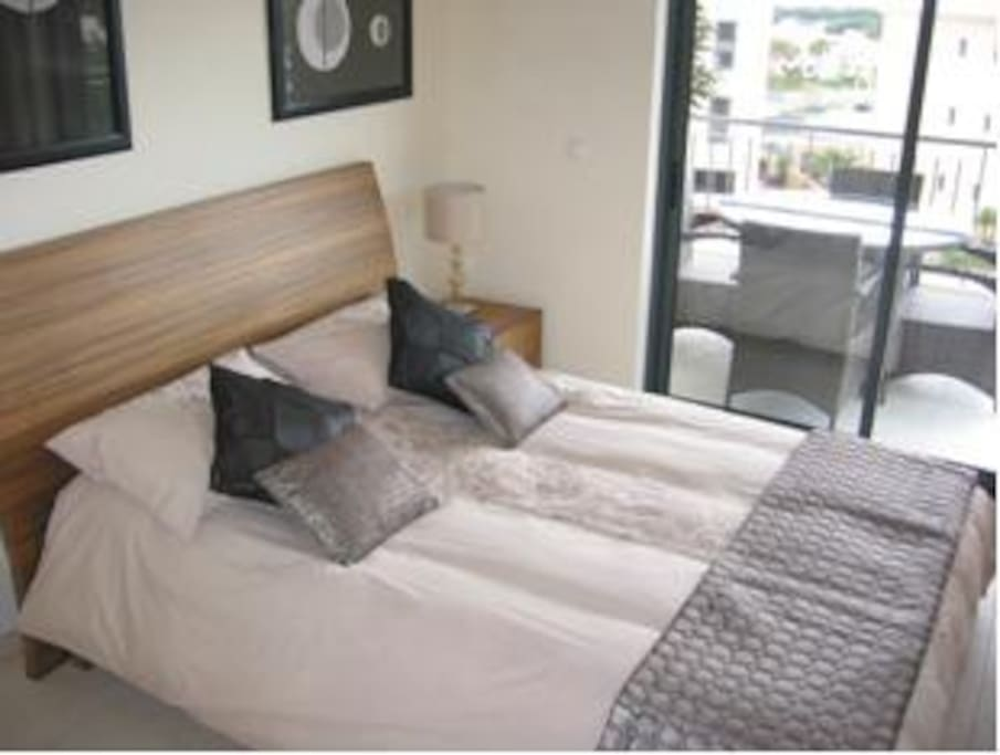 King size bed with full ensuite