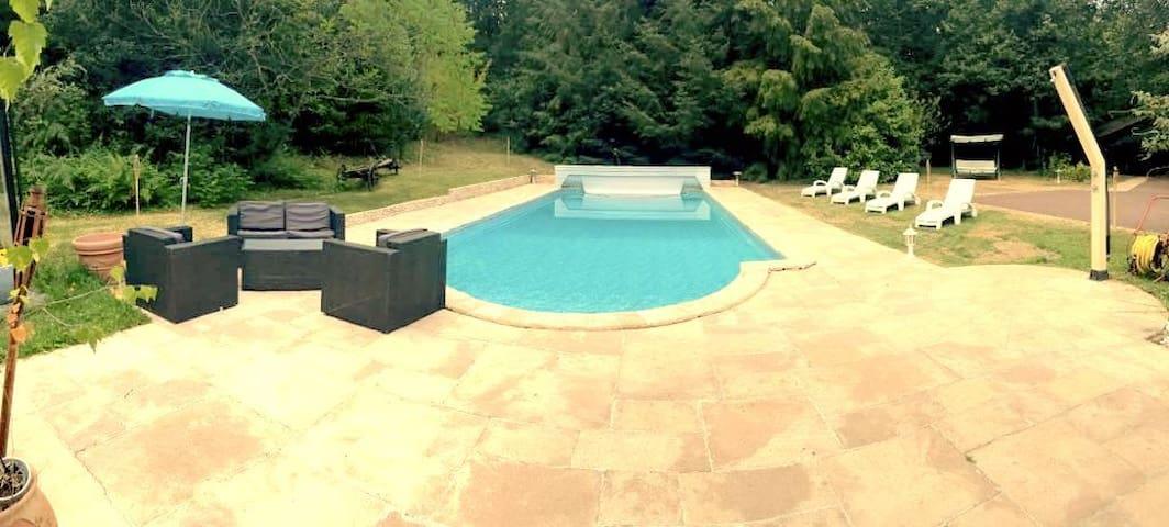 Maison familiale à 1h Paris avec piscine chauffée - Sylvains-les-Moulins