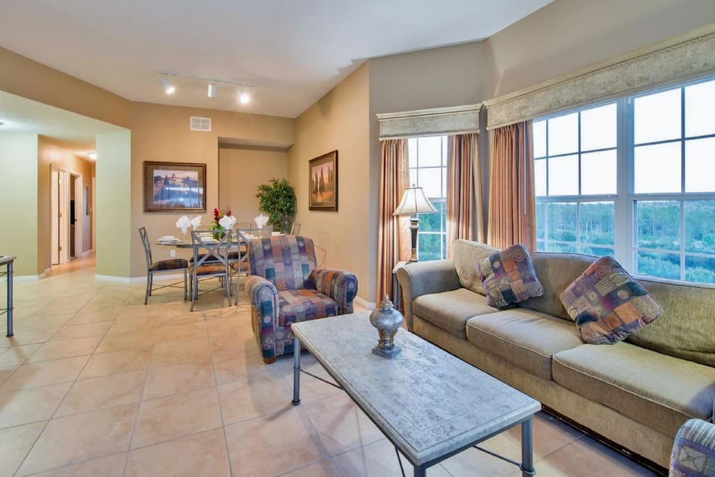 3 Bedroom Luxury Condo 1 Mile To Disney 4 Apartments