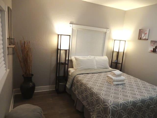 Bedroom #1  12'' Memory cool gel foam mattress
