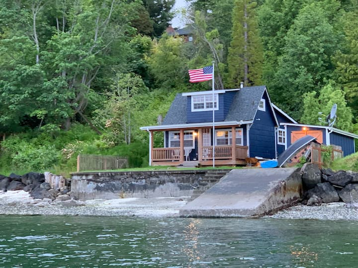 Puget Sound Waterfront Beach Cabin