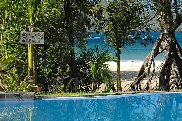 Ocho beach Bungalow Tamarindo.