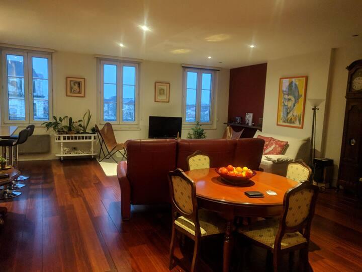Appartement T3 de standing et charme hypercentre.