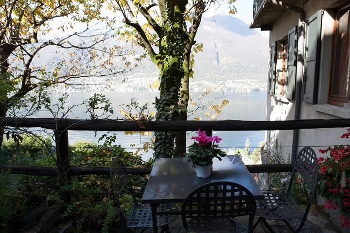 Apartment with aircon and wonderful Lake view - Faggeto Lario - Apartamento